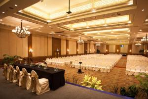 The Regent Cha Am Beach Resort, Hua Hin, Курортные отели  Ча-Ам - big - 30