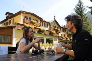 Hotel Vioz, Hotely  Peio Fonti - big - 36