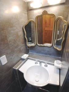 Le Petit Palais, Bed and Breakfasts  Buenos Aires - big - 33
