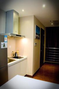 Chenlong Service Apartment - Yuanda building, Aparthotels  Shanghai - big - 11
