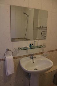 Hotel Zumrat, Hotely  Karagandy - big - 18