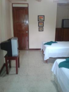 Cabinas & Restaurante Cristina, Отели типа «постель и завтрак»  Tambor - big - 6