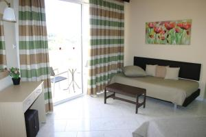 Lyristis Studios & Apartments, Апарт-отели  Фалираки - big - 20
