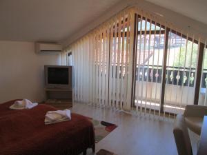 Alexander Services Rental Apartments