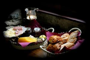 B&B Le Manoir d'Ange, Bed & Breakfast  Ferrières - big - 5