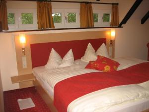 Hotel Hirschen, Hotely  Glottertal - big - 3