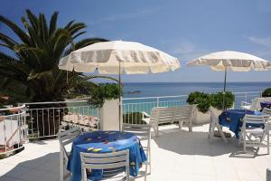 Appartamenti Le Sirene a Cavoli - AbcAlberghi.com