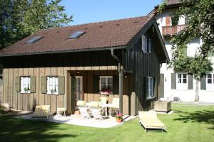 Ferienhaus Alp Chalet, Дома для отпуска  Кохель-ам-Зее - big - 1