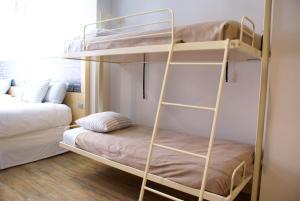 ファミリールーム クイーンサイズベッド2台&バルコニー付
