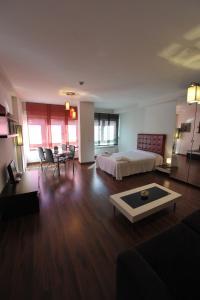 Apartamentos Turisticos Veladiez, Ferienwohnungen  La Lastrilla - big - 23