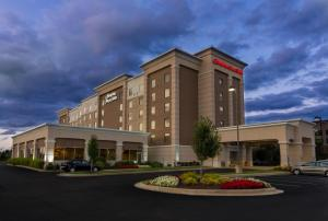Hampton Inn and Suites Cleveland-Beachwood