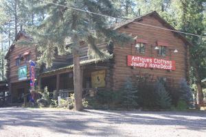 Lumbermen's Village, Ubytování v soukromí  Pinetop-Lakeside - big - 32