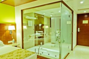 Ramee Grand Hotel and Spa, Pune, Hotely  Pune - big - 4