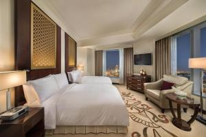 Deluxe Suite With 2 Double Beds