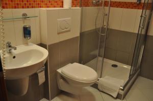 City Central De Luxe, Hotely  Praha - big - 8