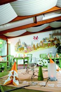 Landhotel Gutshof, Отели  Hartenstein - big - 34