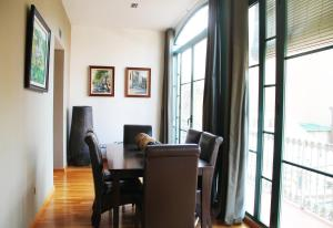 Three-Bedroom Apartment - Paseo de Gracia, 15. 3-1B