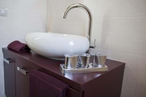 Residence Borgo Del Cigno, Apartmánové hotely  Spinone Al Lago - big - 7