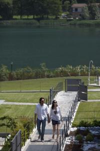Residence Borgo Del Cigno, Apartmánové hotely  Spinone Al Lago - big - 22