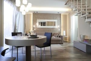 Residence Borgo Del Cigno, Apartmánové hotely  Spinone Al Lago - big - 4