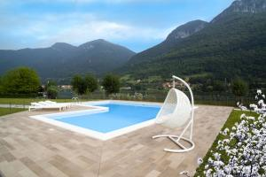 Residence Borgo Del Cigno, Apartmánové hotely  Spinone Al Lago - big - 1