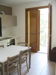 Residence Borgo Del Cigno, Apartmánové hotely  Spinone Al Lago - big - 24