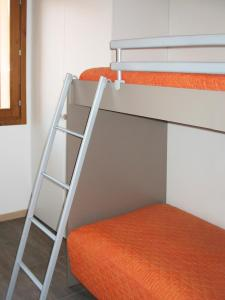Residence Borgo Del Cigno, Apartmánové hotely  Spinone Al Lago - big - 19