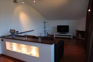 Silvia, Apartments  Sarzana - big - 17