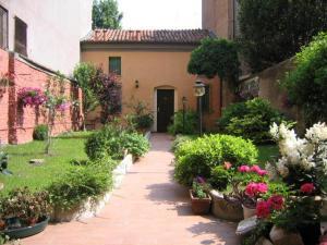 Il Giardino Fiorito - AbcAlberghi.com