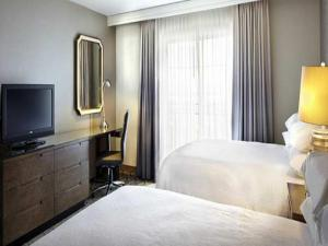 Deluxe Suite with Two Double Beds