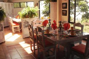 Miravalle Suites, Inns  Paipa - big - 47