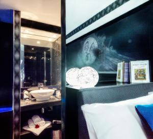 Melies Room