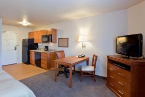 Candlewood Suites Lakewood, Hotely  Lakewood - big - 4
