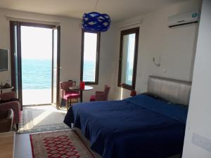 Beach Villa Pantheon, Vily  Pomos - big - 60