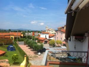 Silvia, Apartments  Sarzana - big - 2