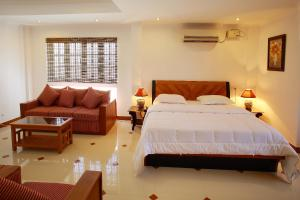 Phils' Residency & Banquets, Hotels  Cochin - big - 21