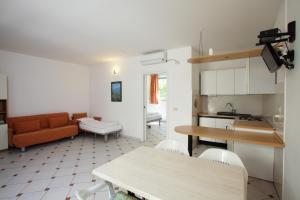 Residence Casa Di Caccia, Apartmánové hotely  Marina di Bibbona - big - 3