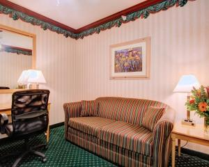 King Suite - Non-smoking - Disability Access
