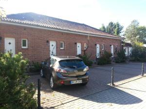 EUT-IN Hotel Alte Straßenmeisterei, Penziony  Eutin - big - 32