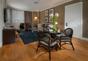 Executive Suite with Two Queen Beds and Sofa