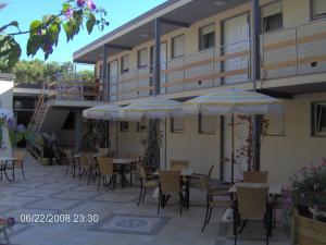 Residence Casa Di Caccia, Apartmánové hotely  Marina di Bibbona - big - 8