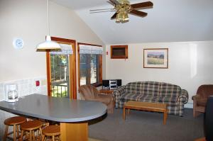 Deluxe Two-Bedroom Cottage