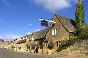 Eight Bells Inn
