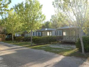 Camping Rives des Corbières, Кемпинги  Пор-Лекат - big - 29