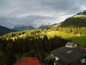 Haus Fichtenstamm, Apartmanok  Seefeld in Tirol - big - 38