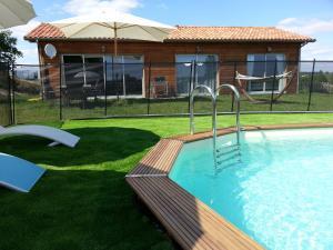 Villa Les Roses Noires, Case vacanze  Singleyrac - big - 18