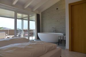 Villa Franca, Hotel  Nago-Torbole - big - 9