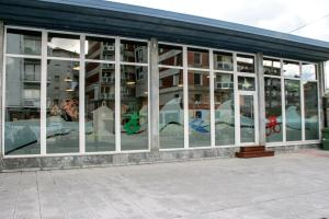 Mundaka Hostel & Sports Cafe