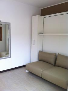 Residence Borgo Del Cigno, Apartmánové hotely  Spinone Al Lago - big - 6