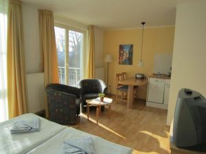 Haus Strandperle, Апартаменты  Цинновиц (Остзебад) - big - 19